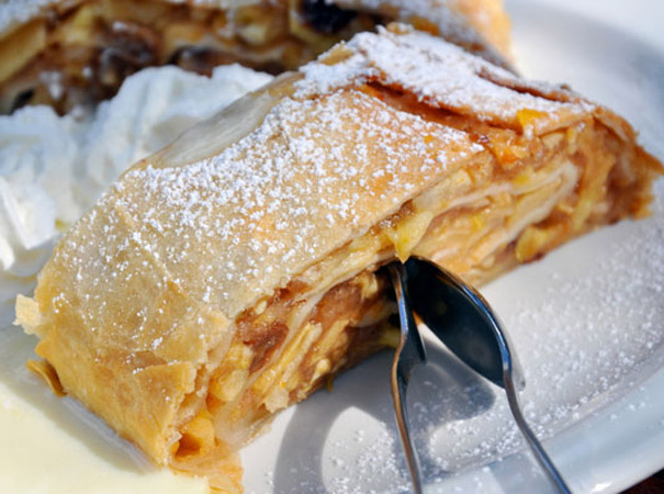 German Apple Strudel Cake